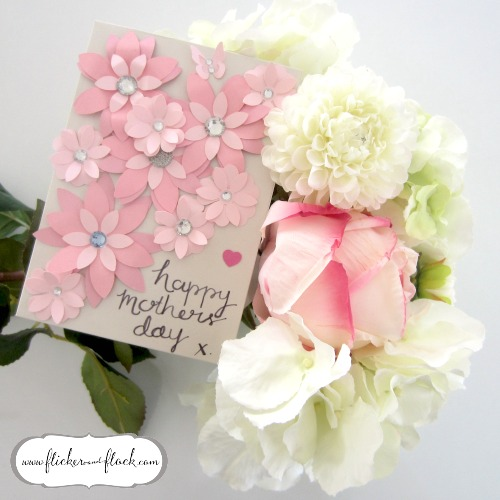 Pretty + easy DIY paper flower card - ideal for Mother's Day!